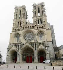 Tourisme religieux, patrimoine historique