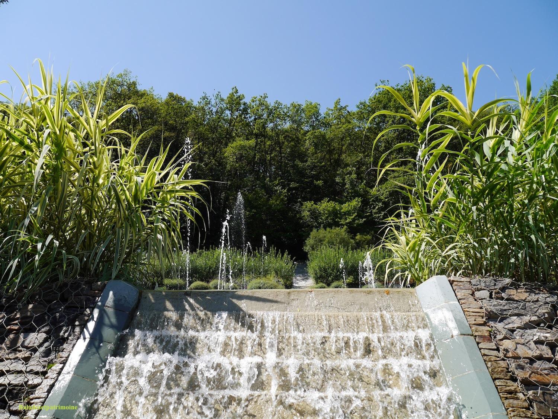 Tourisme autour de p rigueux balades et patrimoine - Les jardins de l imaginaire a terrasson ...