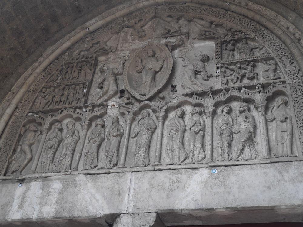 Tympan cathdrale Saint Etienne, balades et patrimoine