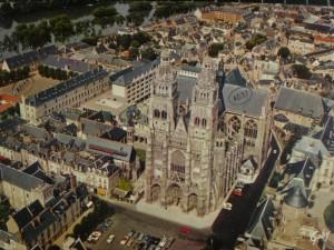 La cathédrale saint Gatien