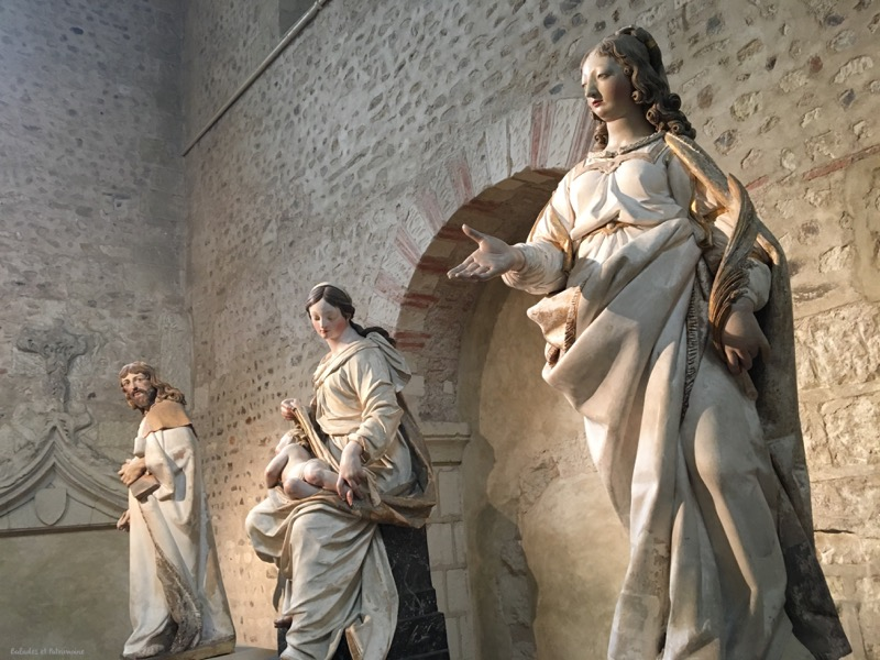 statues collegiale Saint martin angers