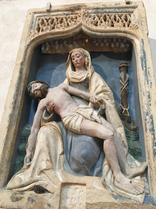 Haut relief vierge-collegiale saint Martin-Angers