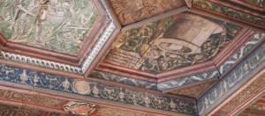 chateau-plessis-bourre-plafond-caisson-details-1000x440