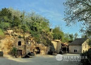 village troglodyte Rochemenier