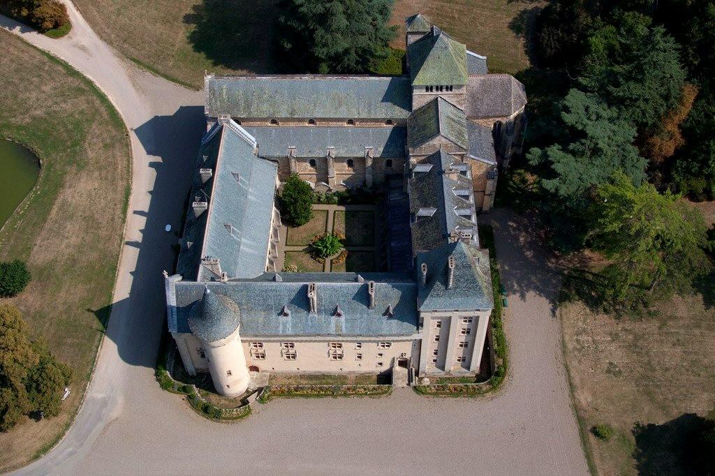 abbaye fortifiée