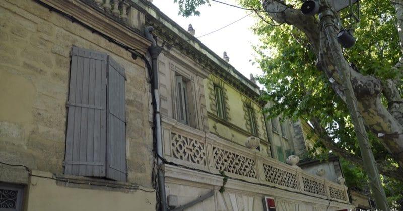 façades maisons uzes