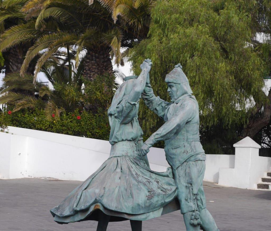 statue danseur lanzarotte